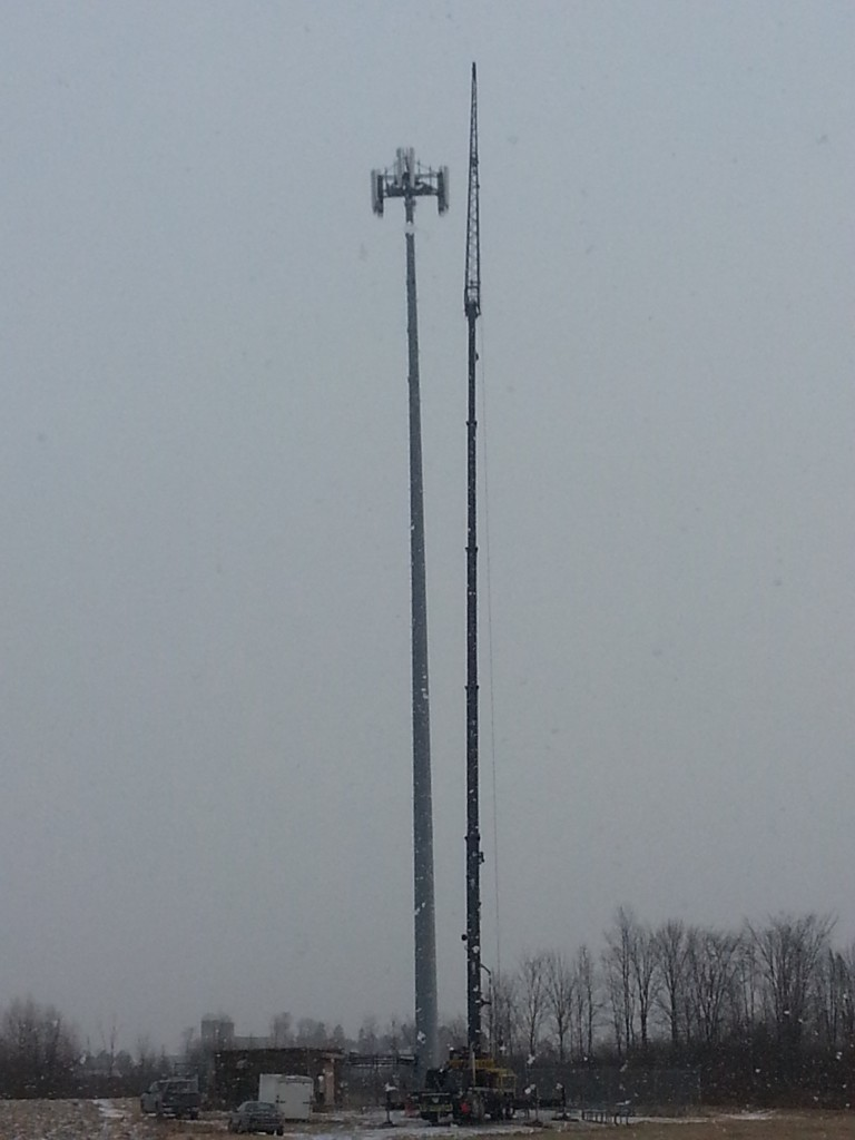 Using our Link-Belt 8690 on a cell tower.