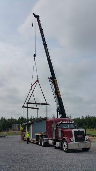 Crane Link Belt 8690 Setting Prefabricated Bathroom And