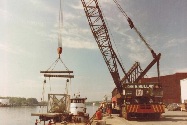 Mullins Rigging unloading and Reloading of original Statue of Liberty torch at the Port of Albany for tour.