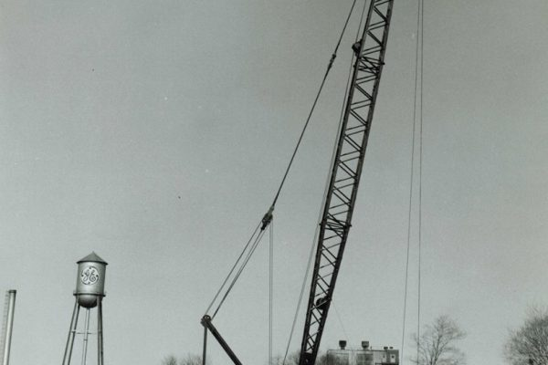 Mullins Rigging 3900 Manitowoc used in initial construction at GE Silicones in Waterford N.Y.