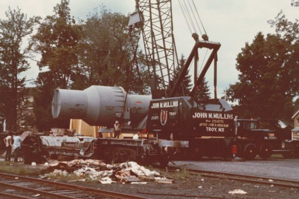 Mullins Rigging unloading a Transport of power unit for Knolls Atomic Power Laboratory