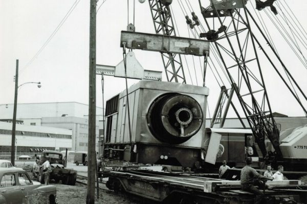Mullins Rigging Test turbine for GE Schenectady – 115 Tons