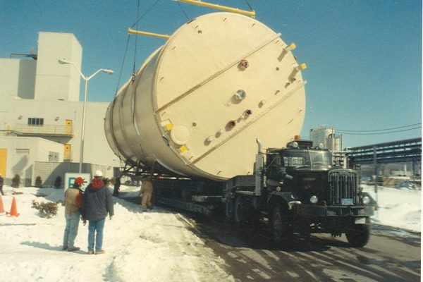 Mullins Rigging movement of Fiberglass Silo – 31 foot diameter