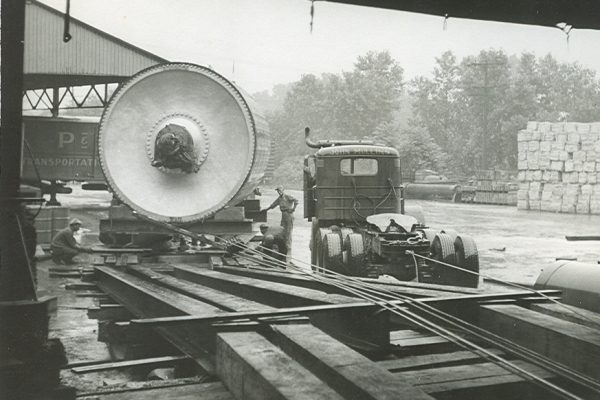 Mullins Rigging installation of Yankee dryer – circa 1945