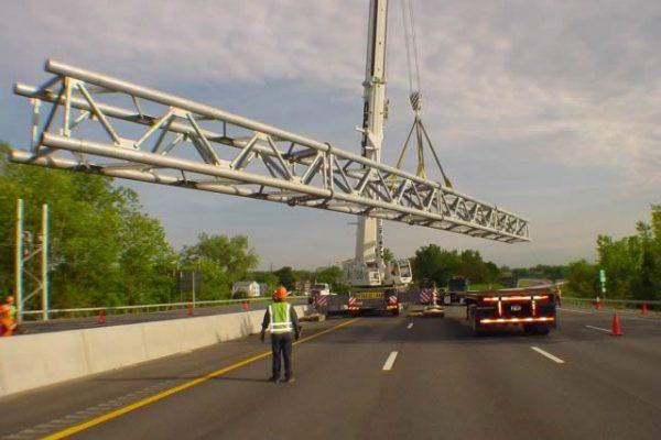 Mullins Rigging interstate Sign Truss – I787