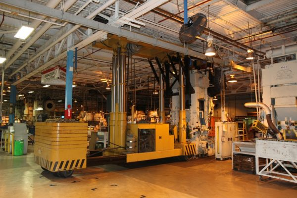 Mullins Rigging movement of 40 Ton press