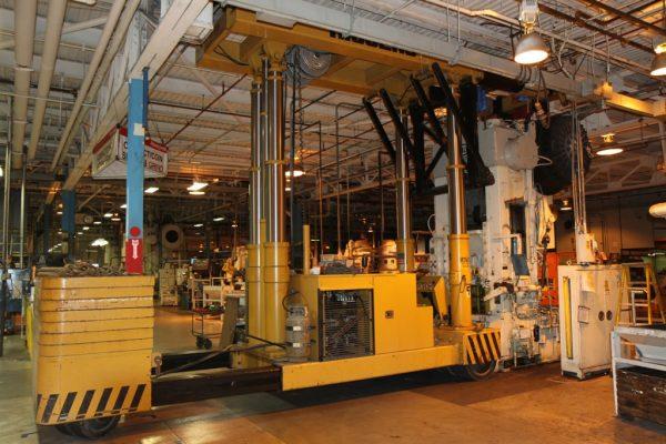 Mullins Rigging movement of 40 Ton press