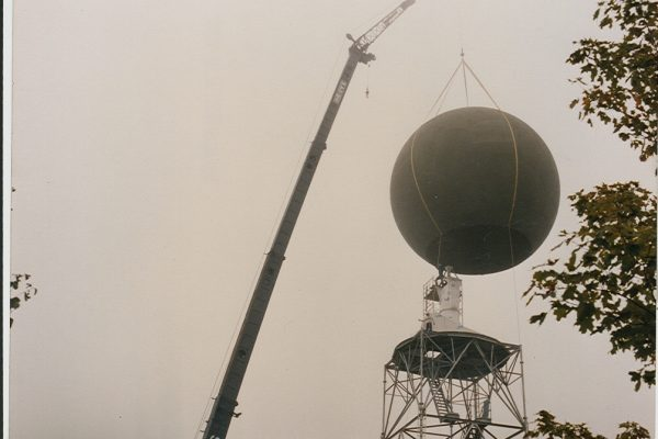 Mullins Rigging lifting of Doppler radar dome