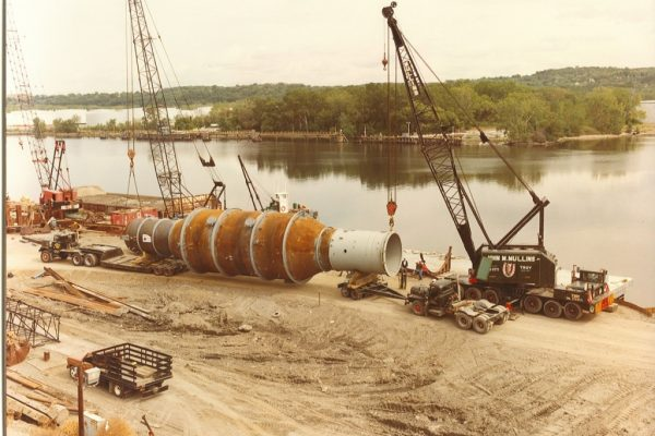 Mullins Rigging loading and transport of Vac-Tower – Port of Albany – 104 tons