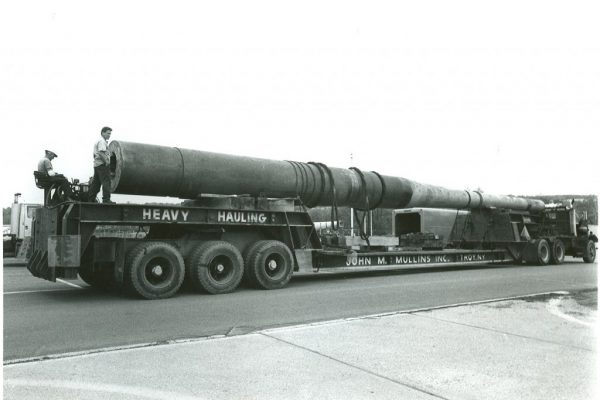 Mullins Rigging lifting of 120 ton Battleship Cannon